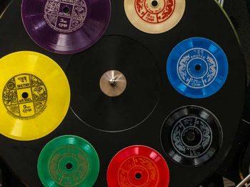 Permalink zu:Eine Schallplatte als Briefmarke